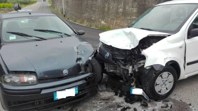 Acerra, tragico incidente stradale: perde la vita in una donna