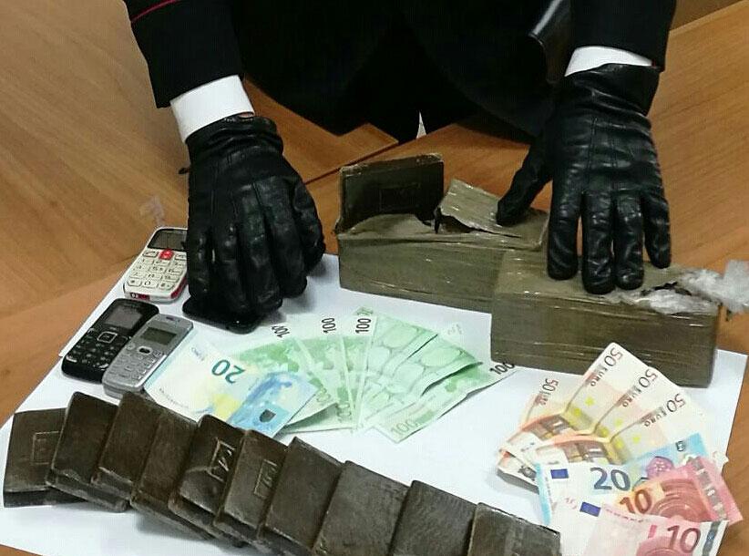 Da Latina a Giugliano per rifornirsi di droga: tre arresti