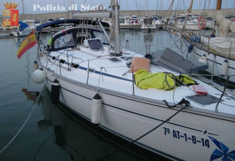 Cocaina dalla Spagna in doppiofondo barche, tre arresti
