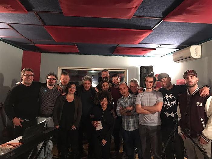 Raduno antirazzista a Pontida: sul palco gli artisti di 'Terroni Uniti'