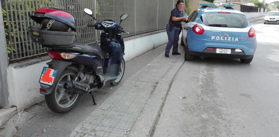 Napoli, sorpreso in sella a scooter rubato: arrestato 36enne