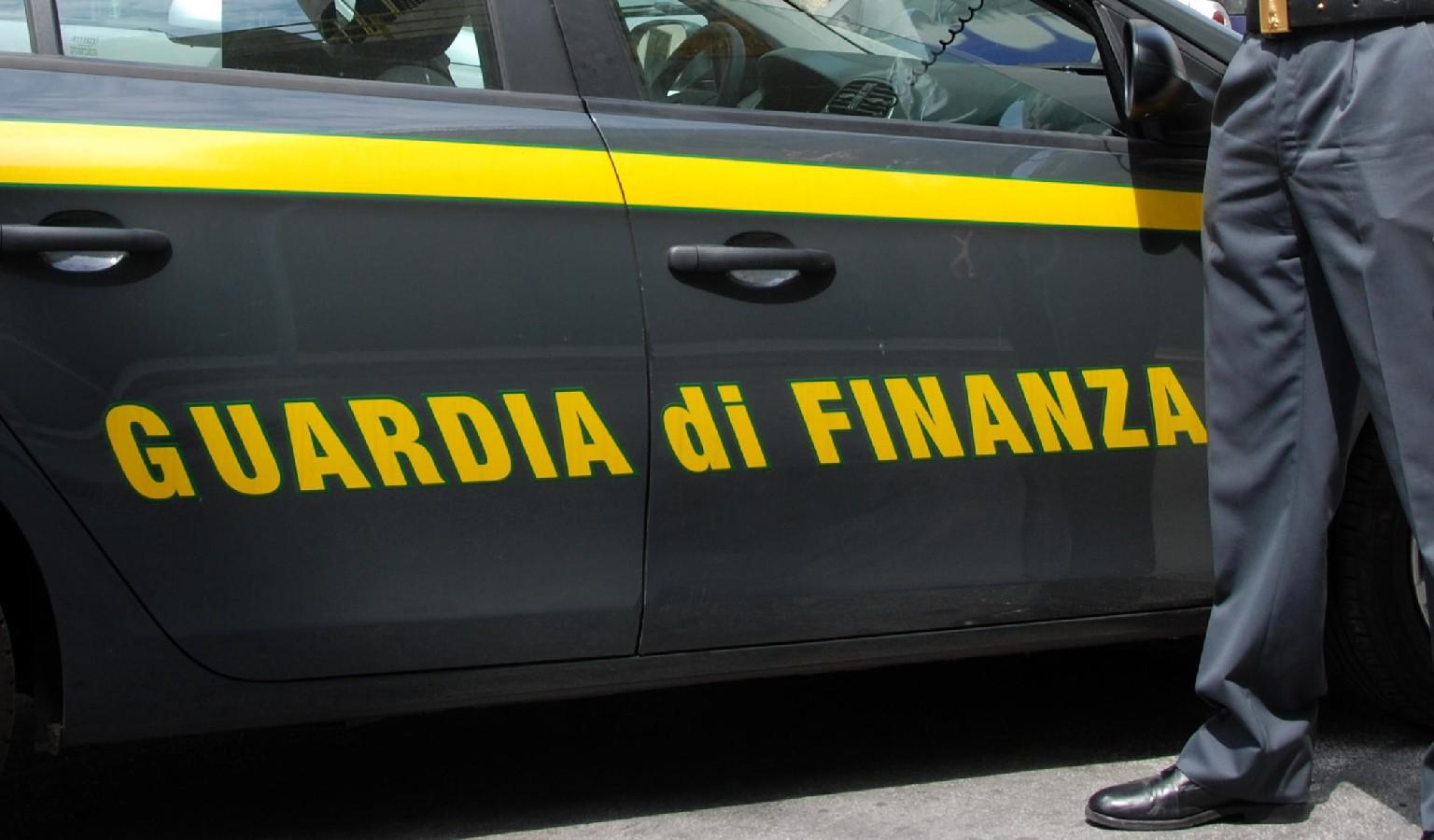 Arrestati due imprenditori per furto di energia elettrica