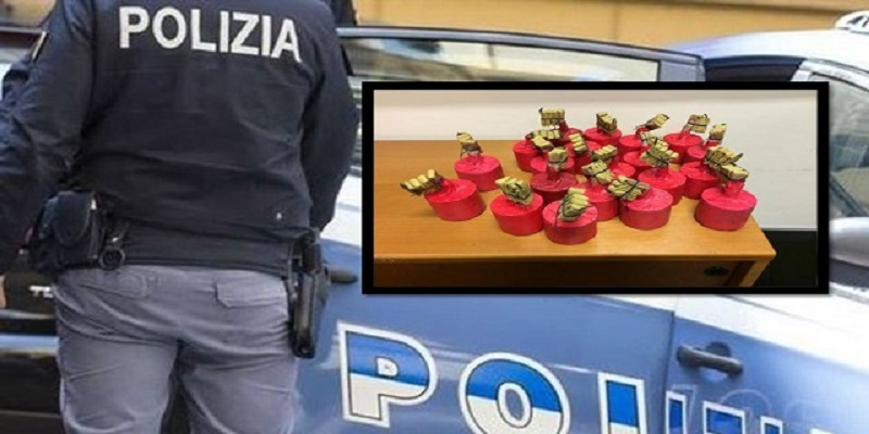 Napoletano, sequestrate 53 bombe carta. Trovate anche dosi di cocaina