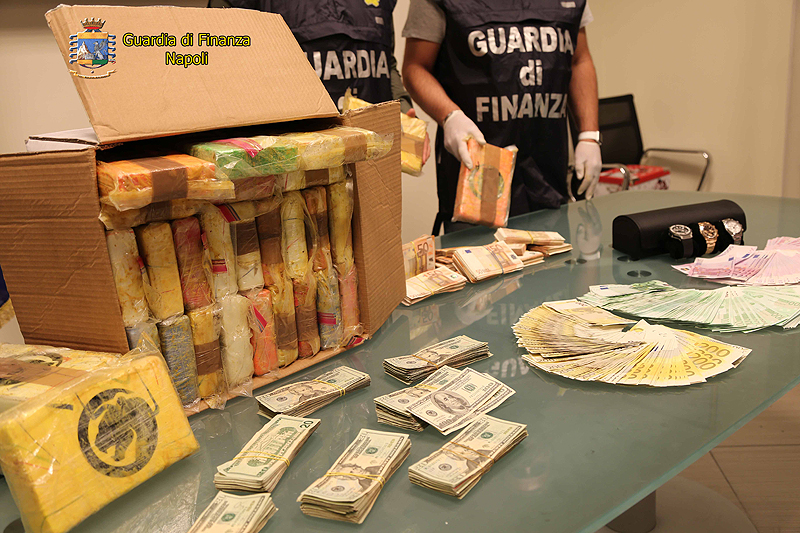 Sequestrati 33 chilogrammi di cocaina: arrestato un 31enne