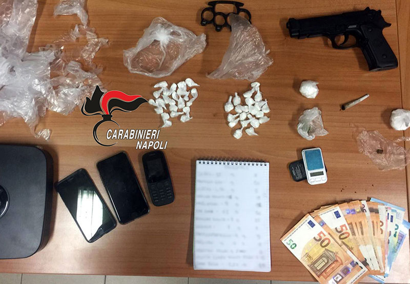 Cocaina, hashish e marijuana in casa : arrestati due uomini e una donna