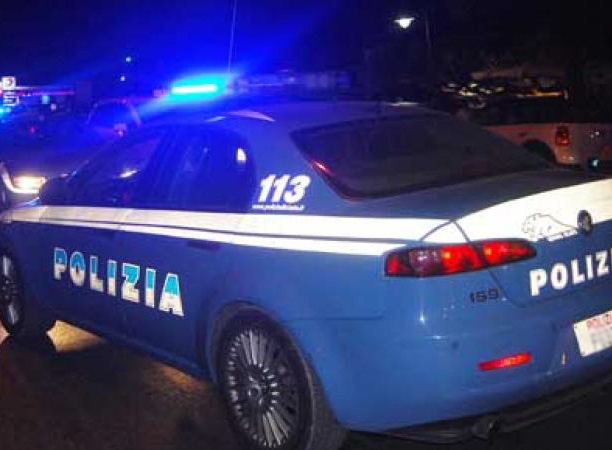 Arrestati due 39enni per furto.