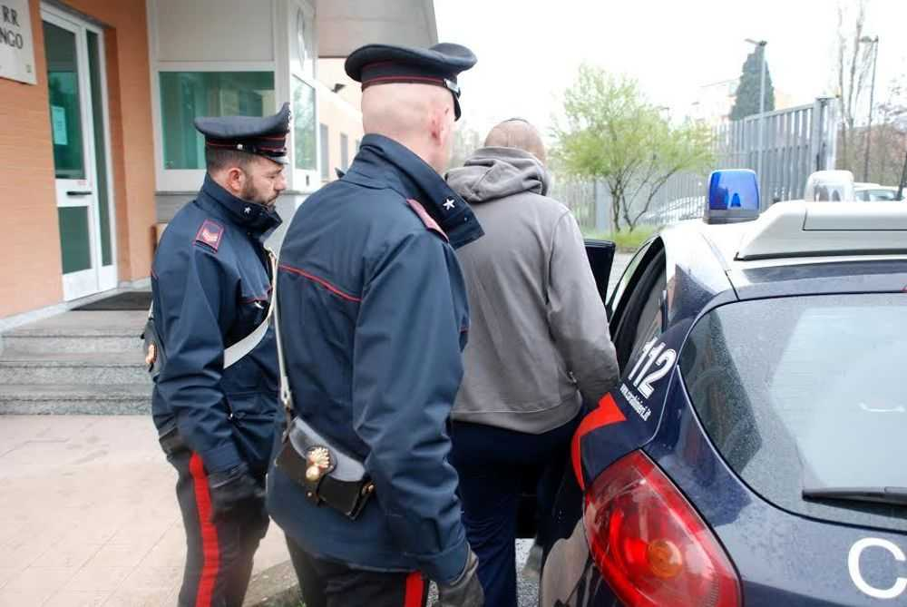 Cocaina in auto:  arrestato 34enne