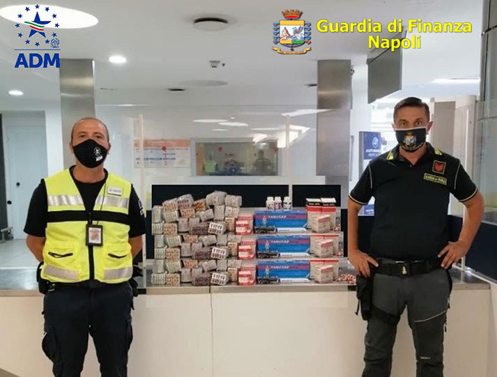 Sequestrate 3700 compresse di farmaci illegali.