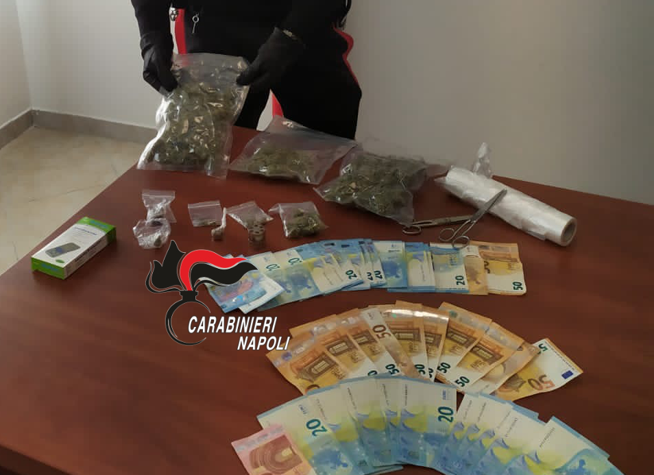 Marijuana e  hashish in casa: arrestato pusher 23enne